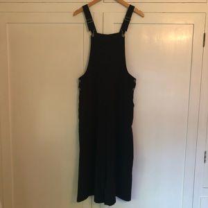 Black overalls/jumpsuit